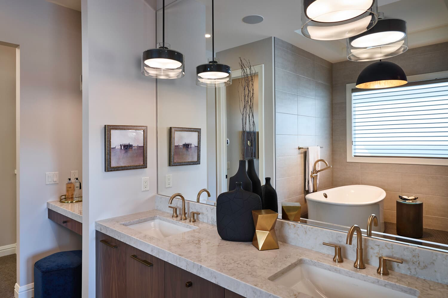 the ensuite in the carmini 2 home in cranstons riverstone