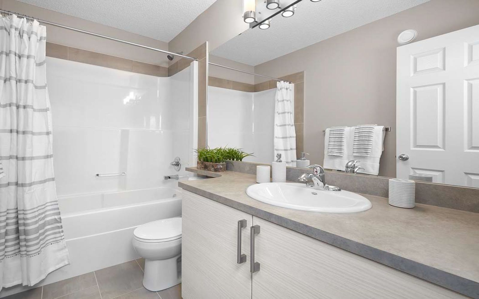 bathroom-kenton-edmonton