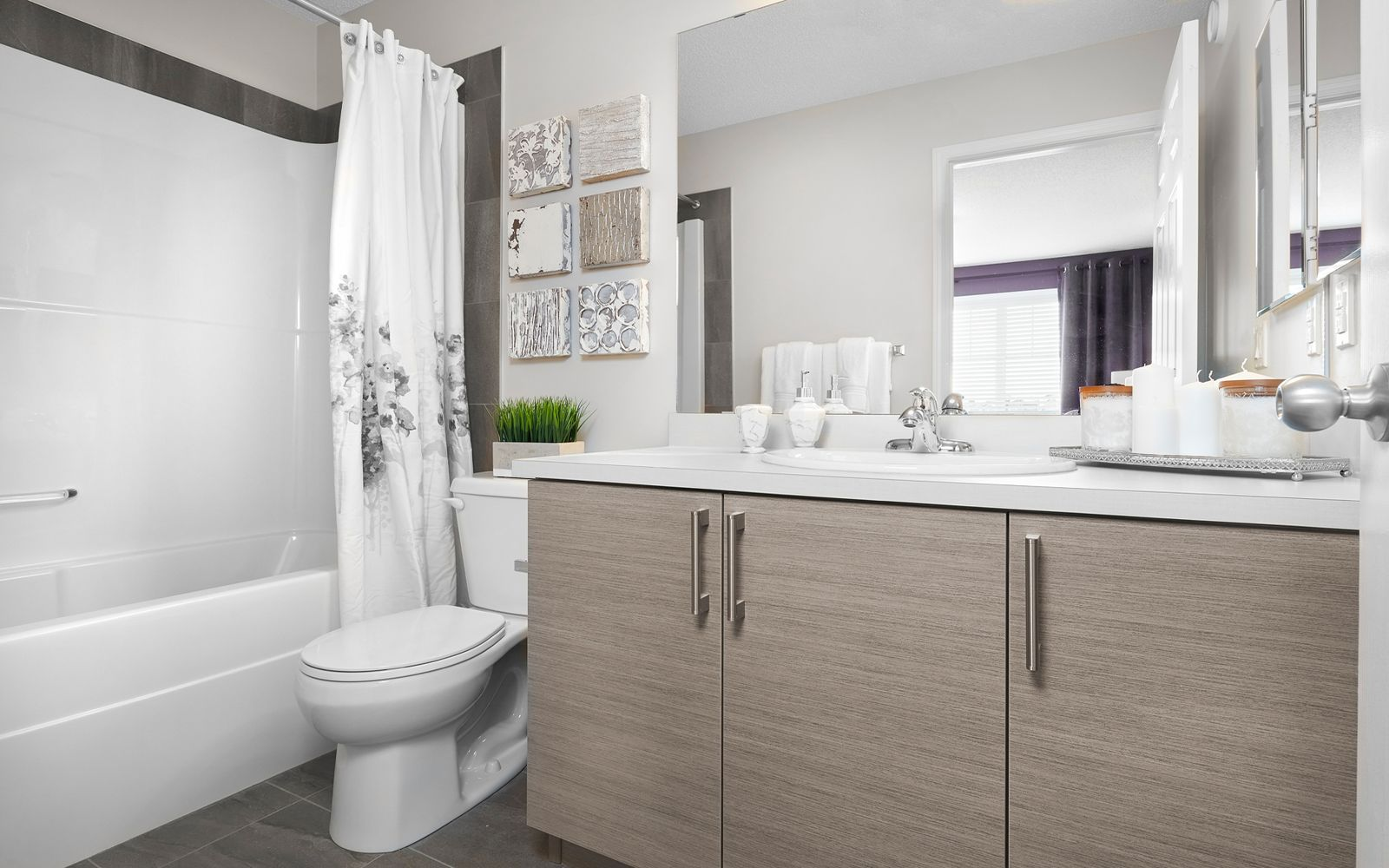 ensuite-bedroom-decorus-edmonton