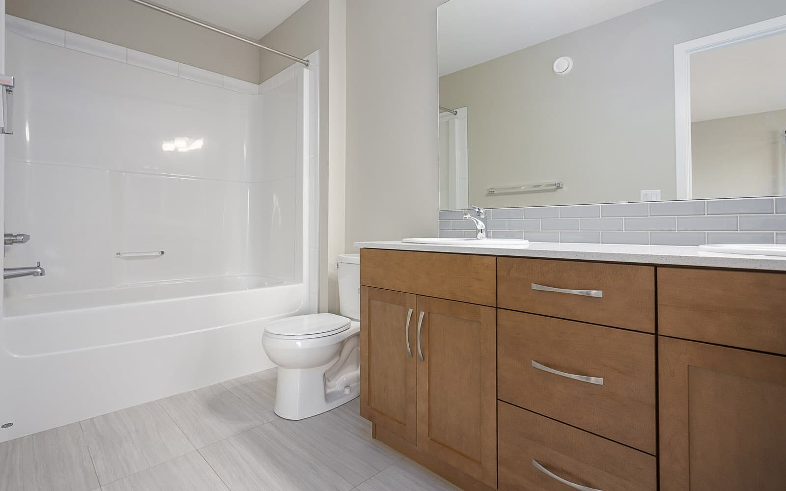 Ensuite bathroom in the Finlay duplex