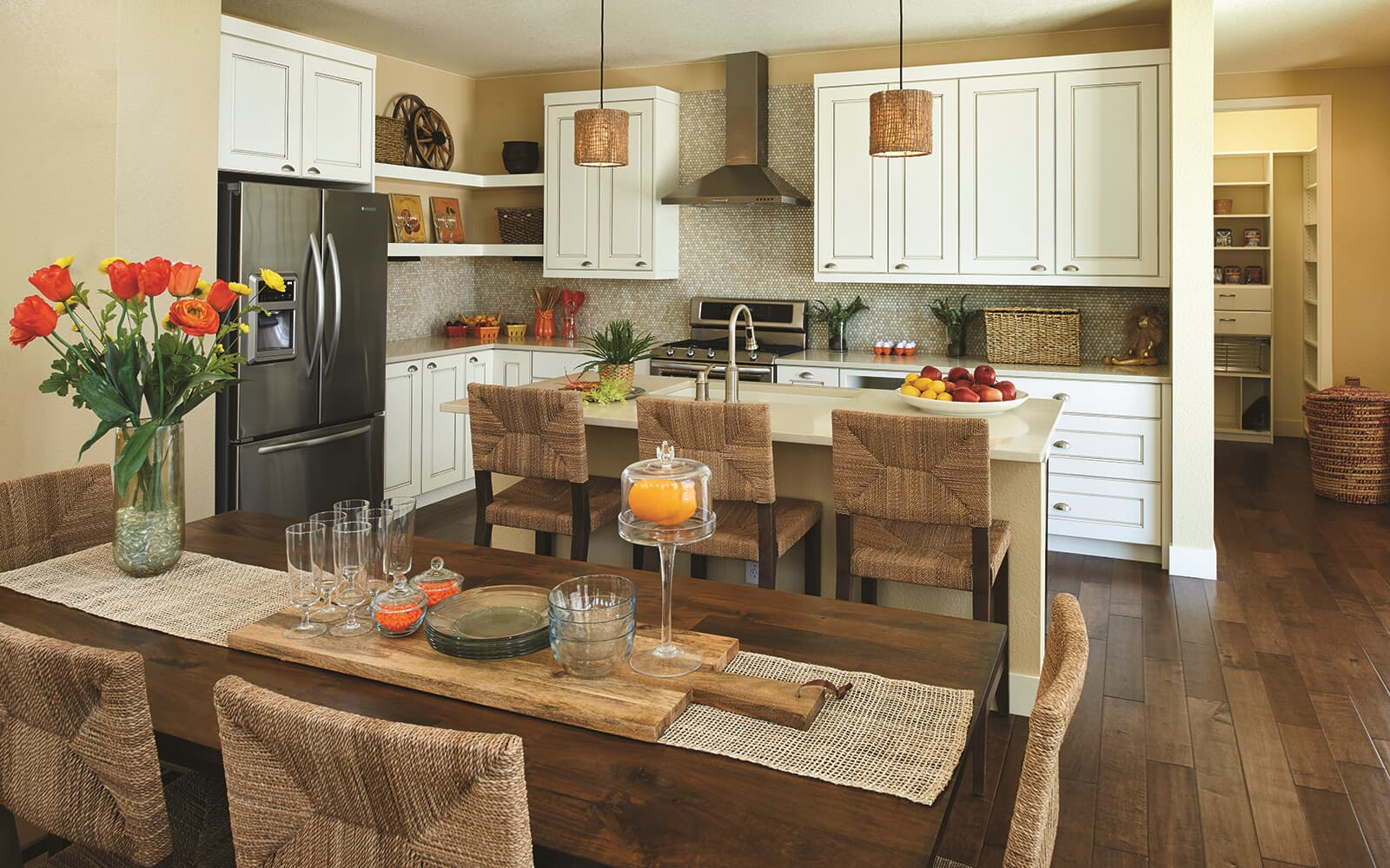Freestyle-Six-Model-Interior-Kitchen-Brighton-Crossings-Denver-Colorado