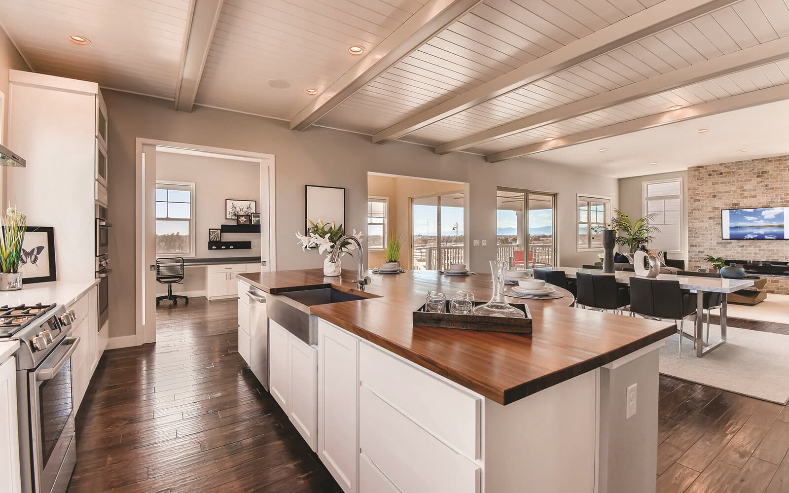 Harvest-Three-Model-Interior-Kitchen-Barefoot-Lakes-Denver-Colorado
