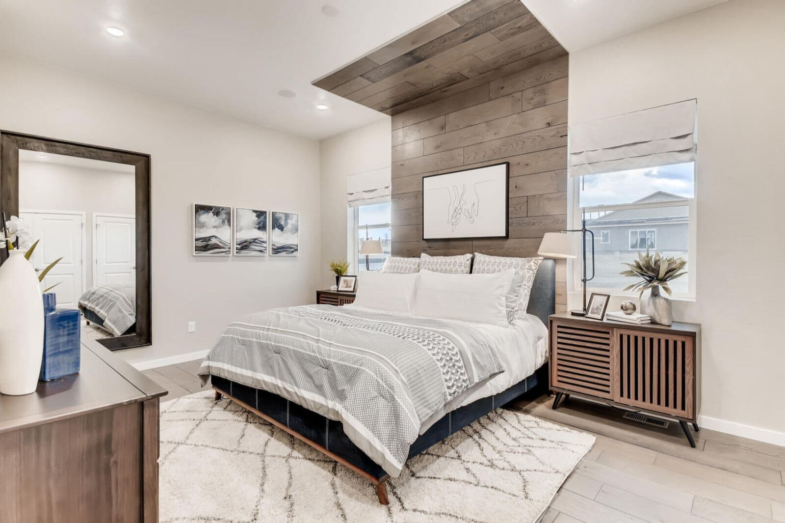 Villa-One-Master-Bedroom-Barefoot-Lakes-Denver-Colorado