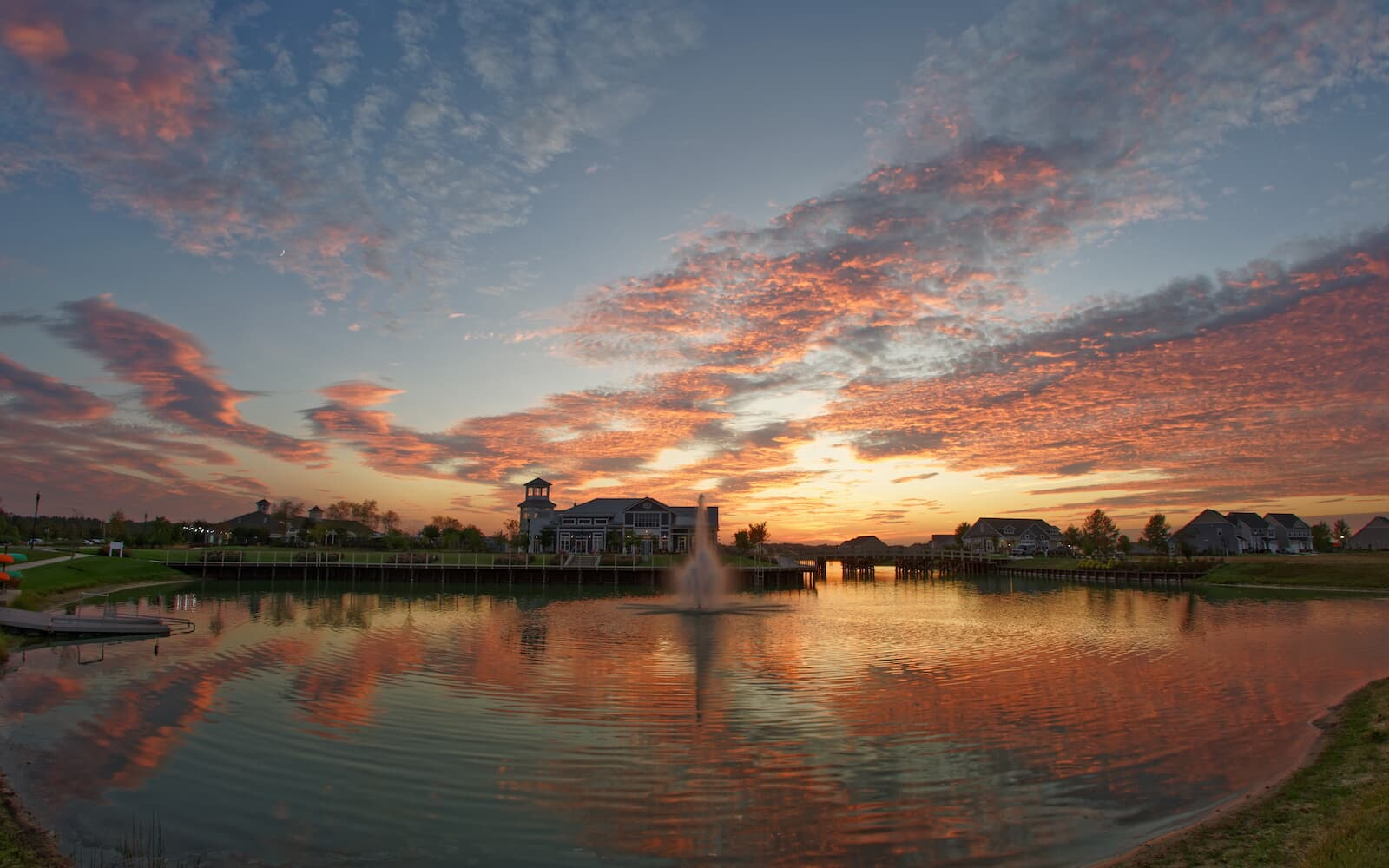 heritage-shores-lake-sunset-brookfield-residential