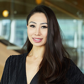 New home online specialist Linda Lam headshot