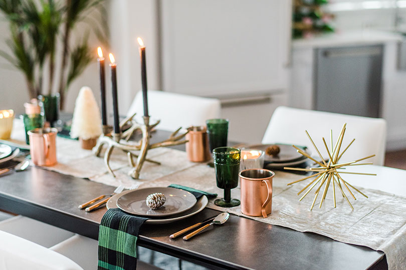 Modern winter tablescape at a new home in Dublin, CA