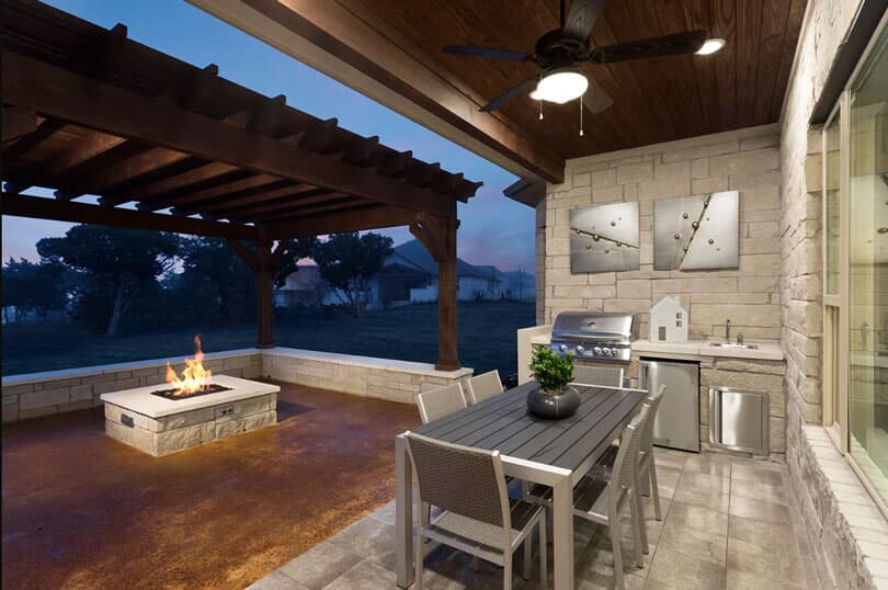 Patio I Highland Terrace at Rough Hollow in Lakewood, TX | Brookfield Residential