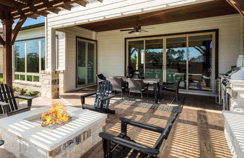 Back yard firepit in an Austin, Texas new home | Brookfield Residential