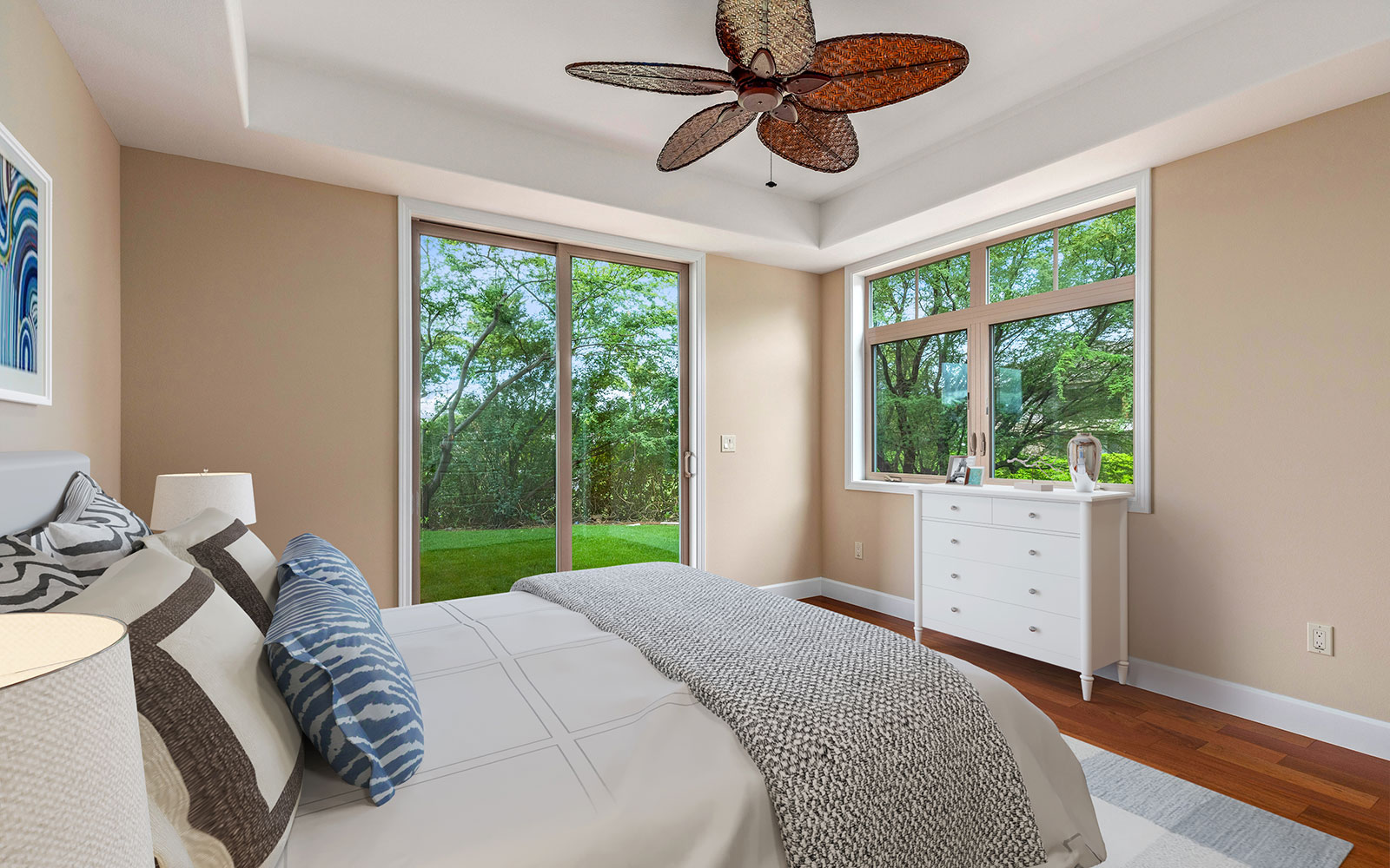 bedroom-sliding-door-mahina-plan-4-kamilo-at-mauna-lani-big-island-brookfield-residential