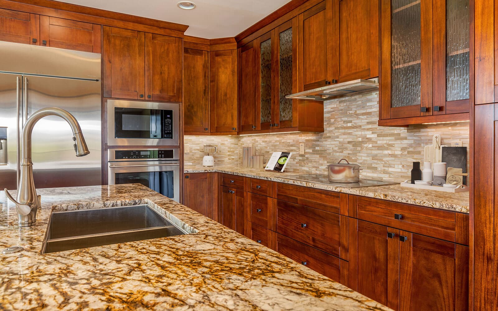 kitchen-new-home-mahina-plan-4-kamilo-at-mauna-lani-big-island-brookfield-residential