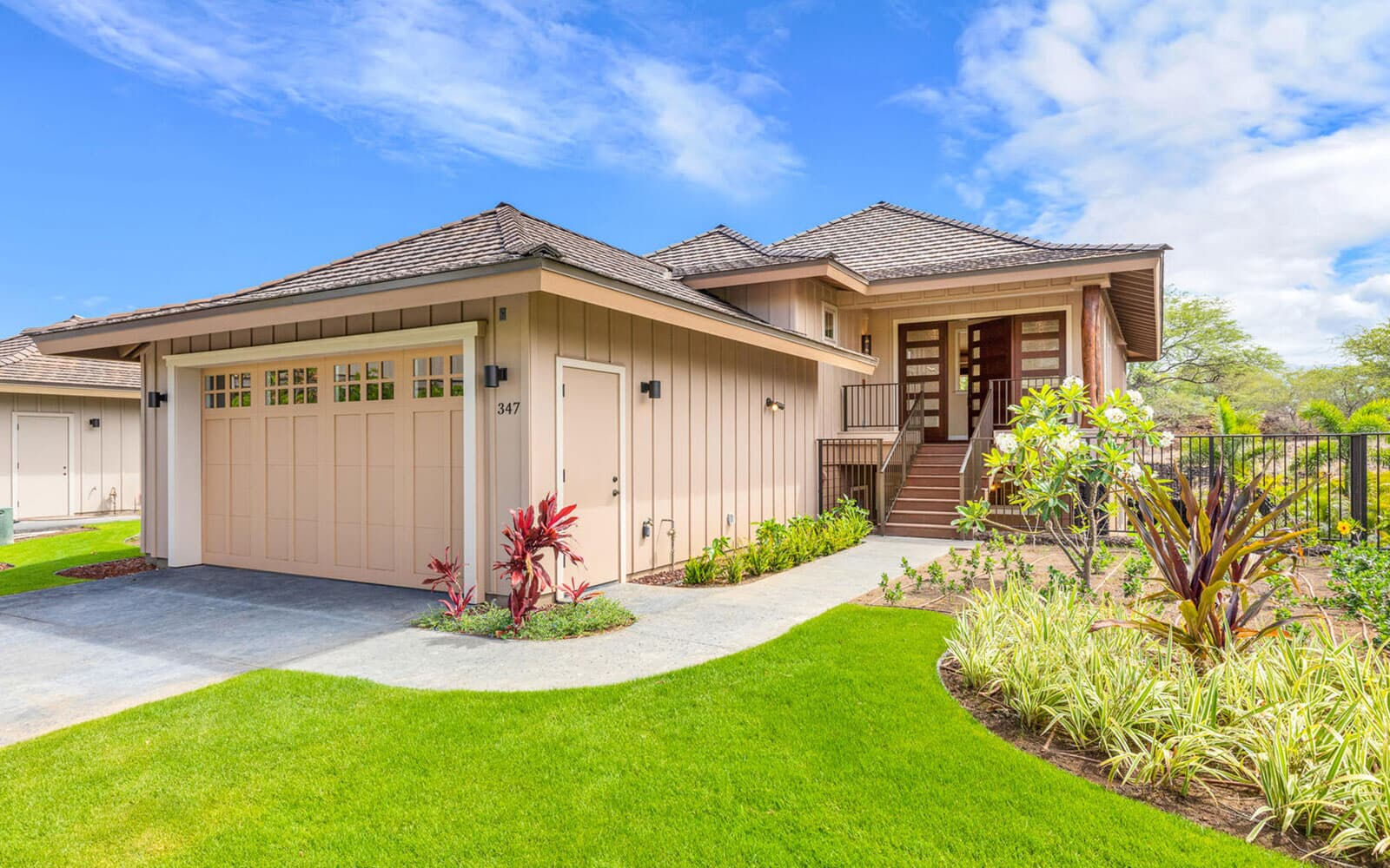 exterior-front-new-home-makani-plan-3-kamilo-at-mauna-lani-big-island-brookfield-residential