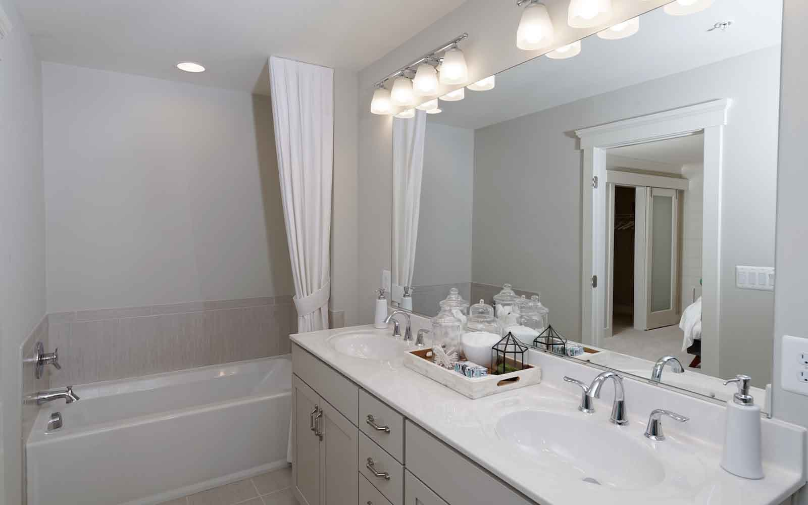Aurora-bathroom-townhomes-silver-spring-md-bradfords-landing-brookfield-residential