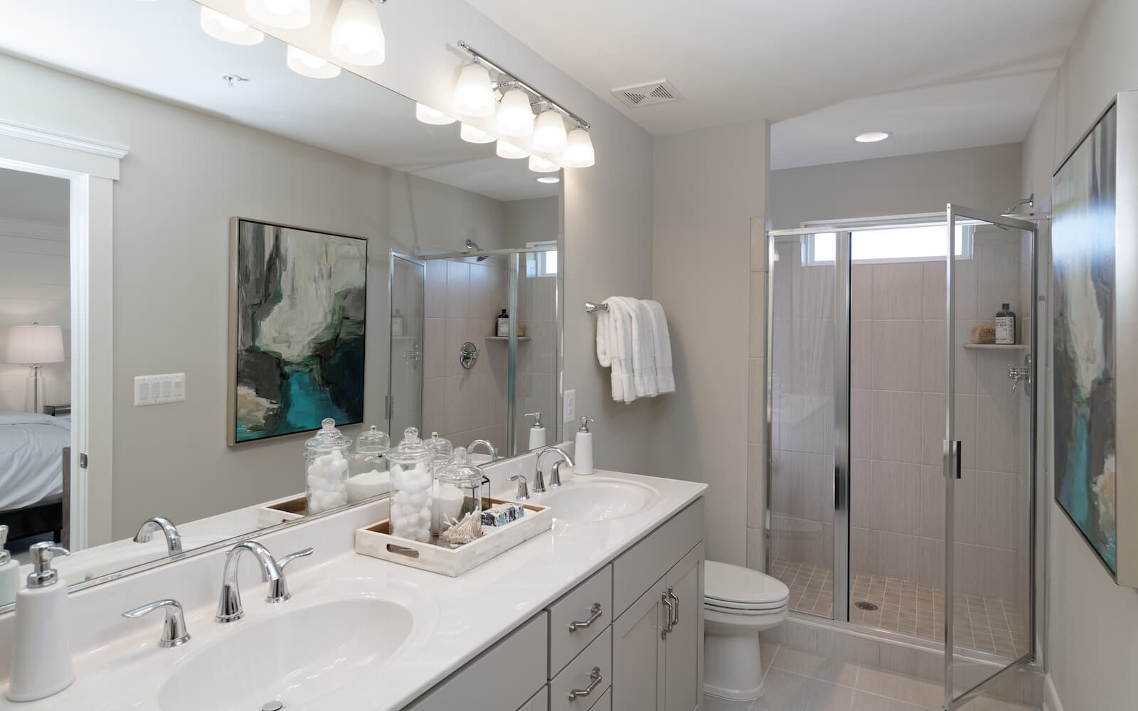 Aurora-bathroom2-townhomes-silver-spring-md-bradfords-landing-brookfield-residential