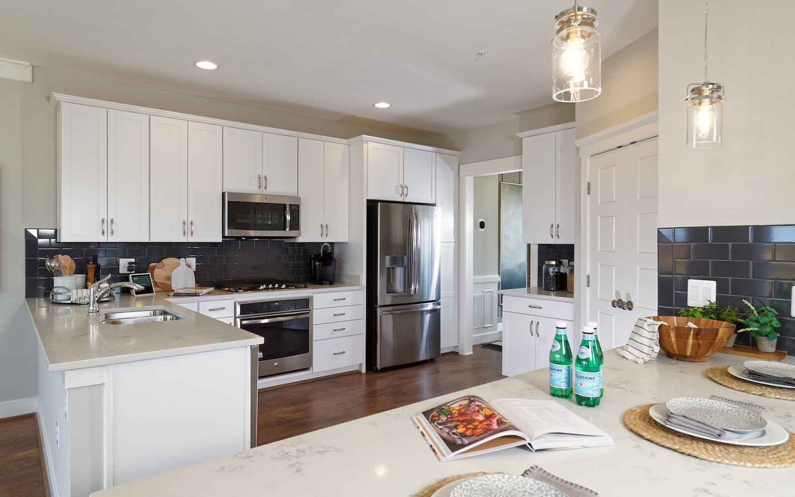 Aurora-kitchen-townhomes-silver-spring-md-bradfords-landing-brookfield-residential