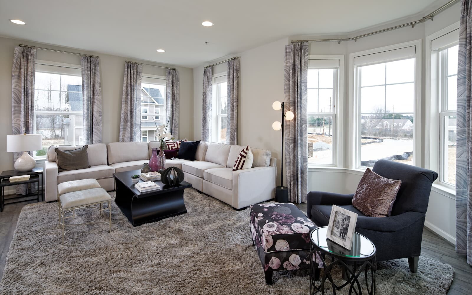 Sequoia-living-room-townhomes-silver-spring-md-bradfords-landing-brookfield-residential
