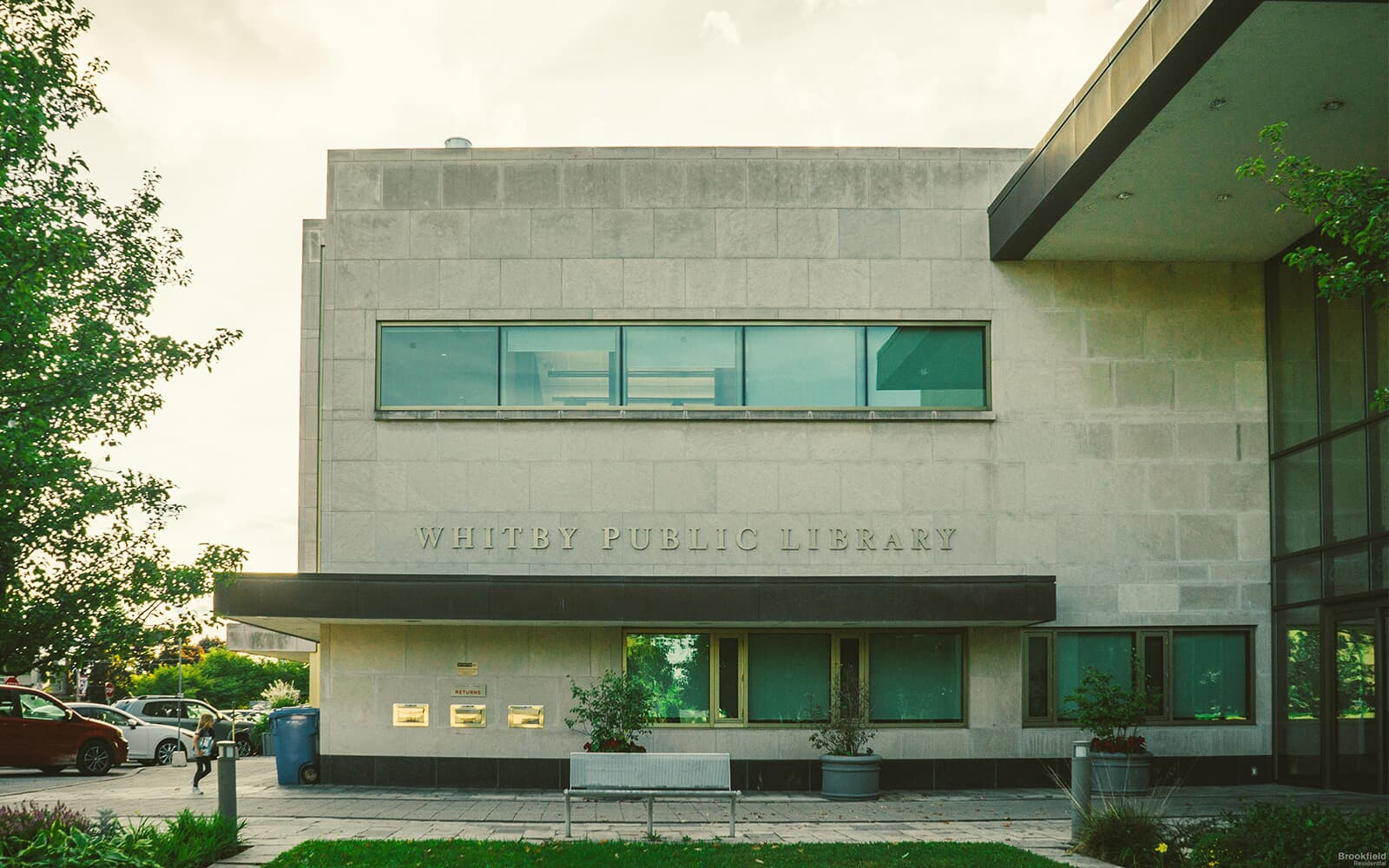 Exterior of Whitby Public Library in Whitby, ON