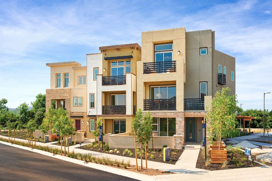 Street Scene | Huntington at Boulevard in Dublin, CA | Brookfield Residential