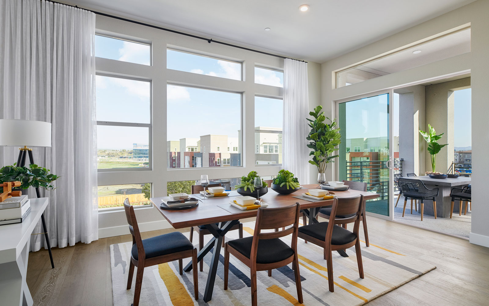 DIning | Residence 2 | Hyde Park at Boulevard in Dublin, CA | Brookfield Residential