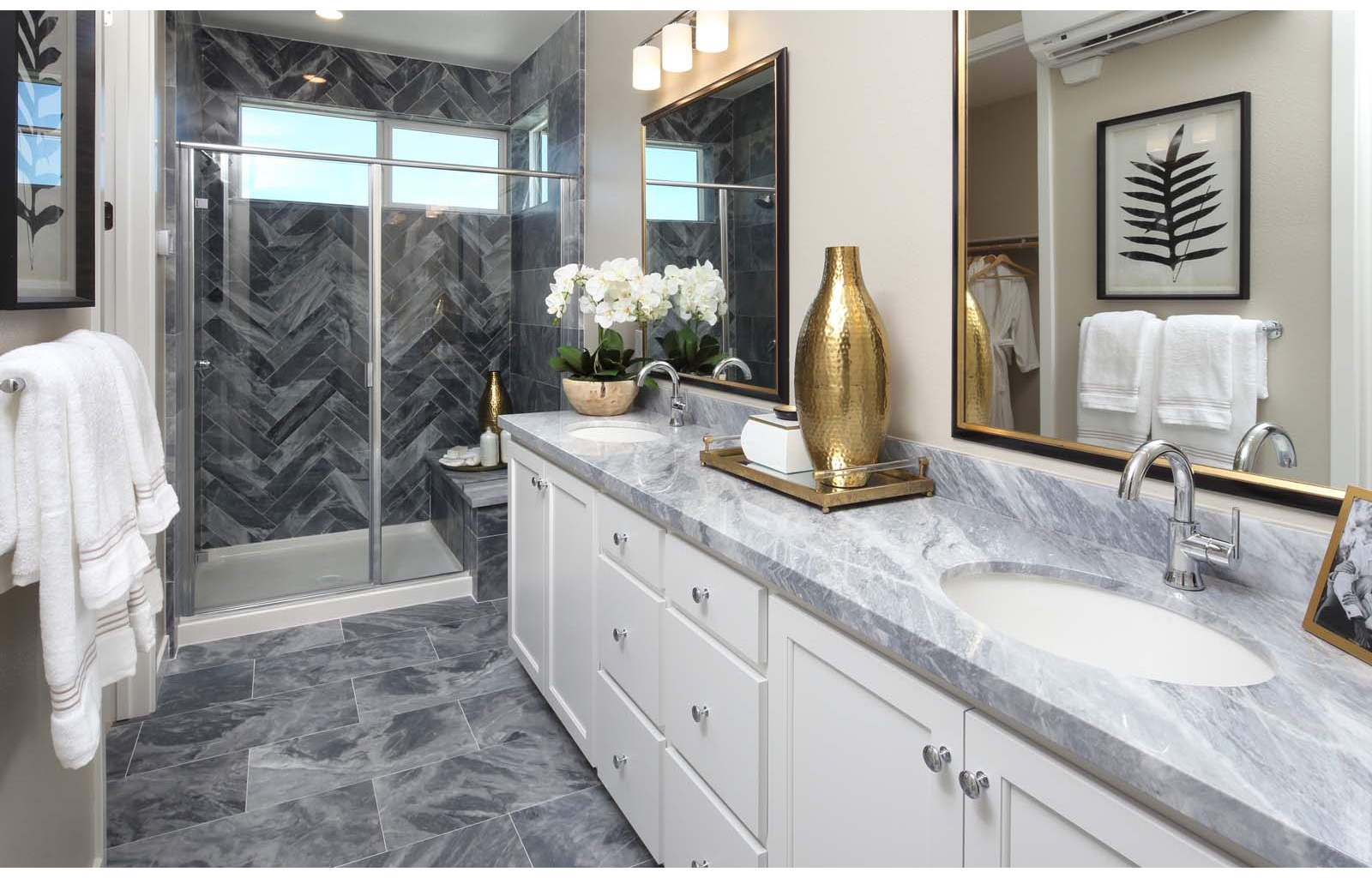 Residence 4 Master Bath | WIlshire at Boulevard in Dublin, CA | Brookfield Residential