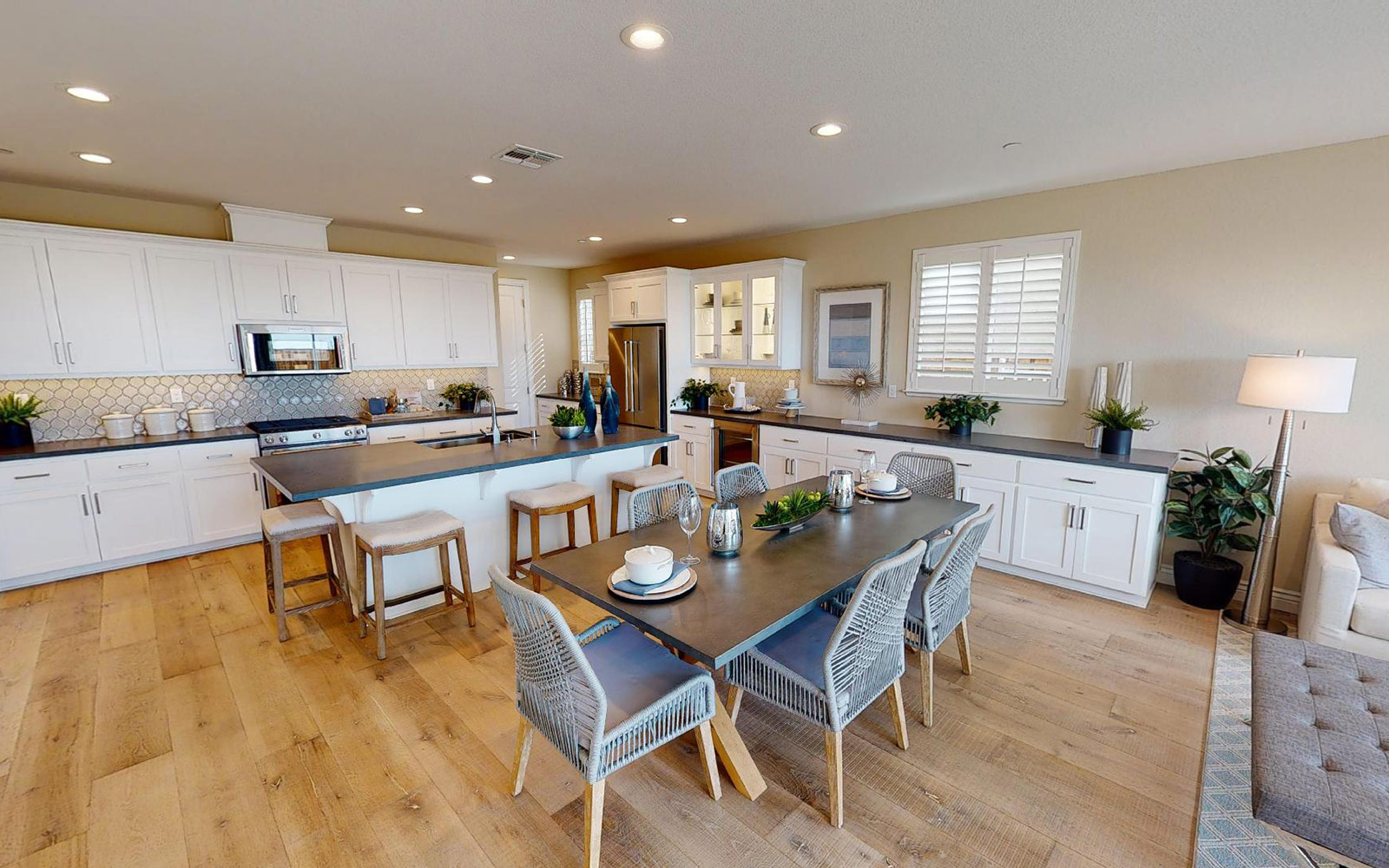 Residence 2 360 Tour | Easton in Oakley, CA | Brookfield Residential