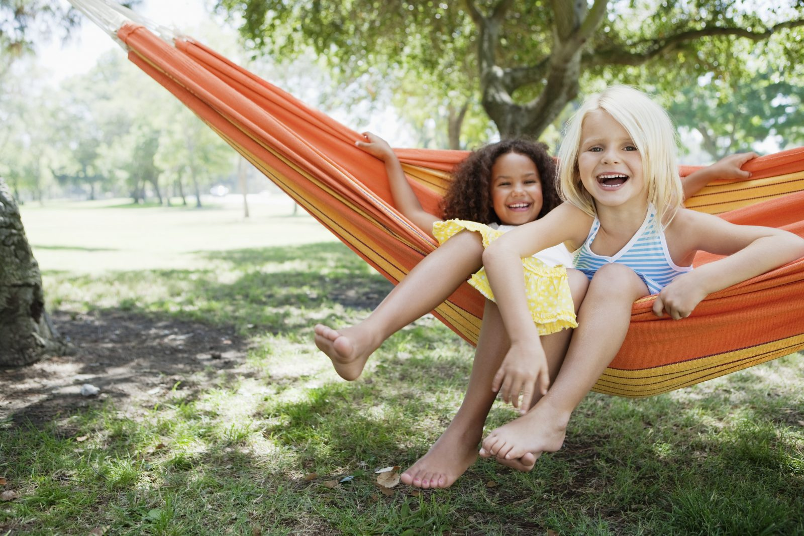 Kids in hammock in Oakley, CA | Brookfield Residential