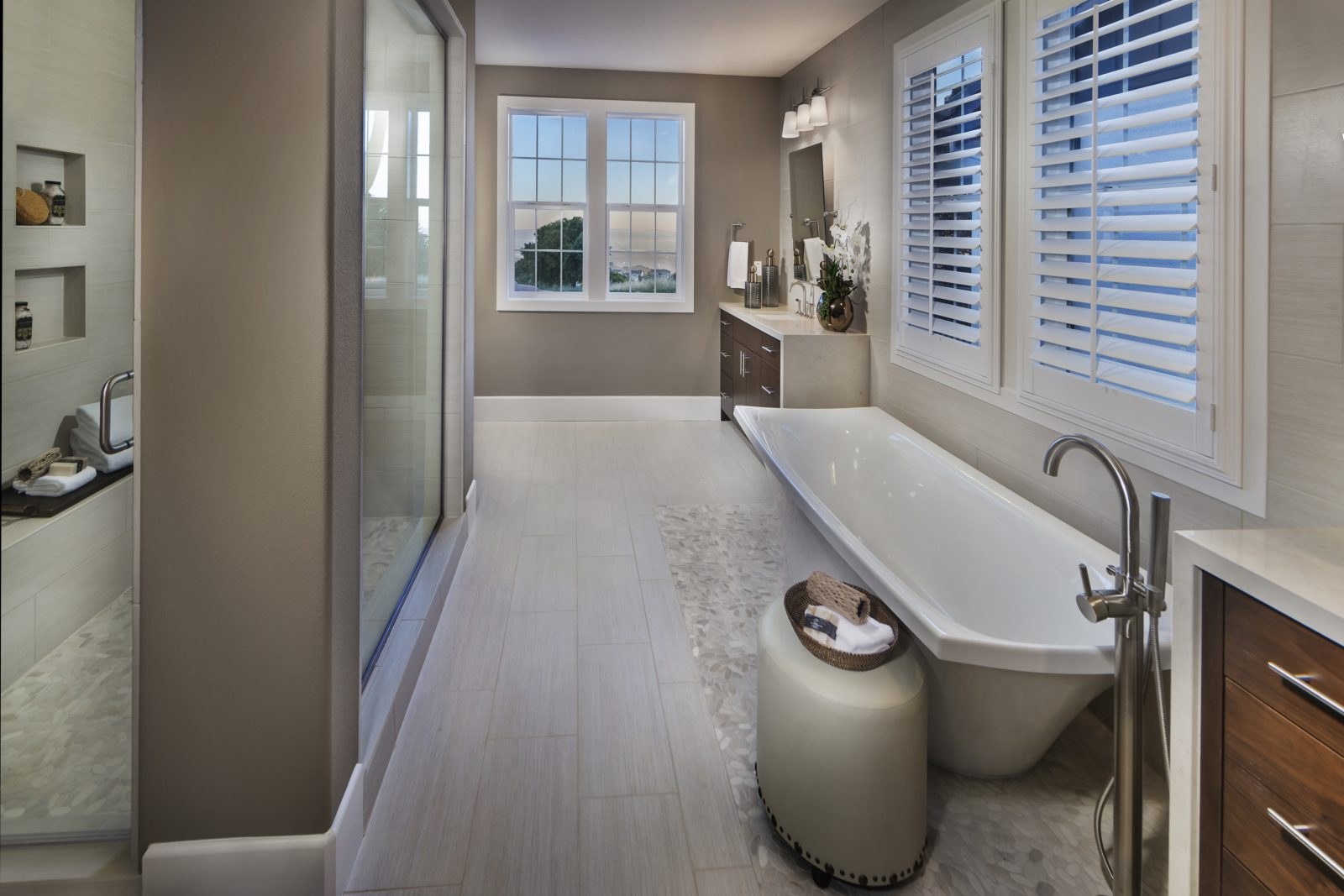 Owner bathroom in new luxury home | Crown Point at Stonebrae in Hayward, CA | Brookfield Residential