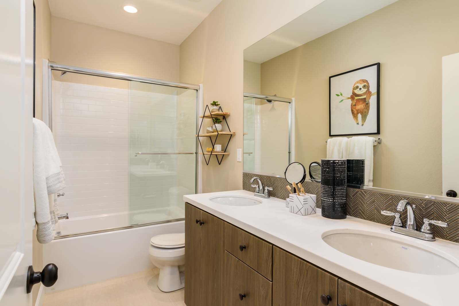 Bath 2 Residence 2 | Flora at the Village of Escaya in Chula Vista, CA | Brookfield Residential