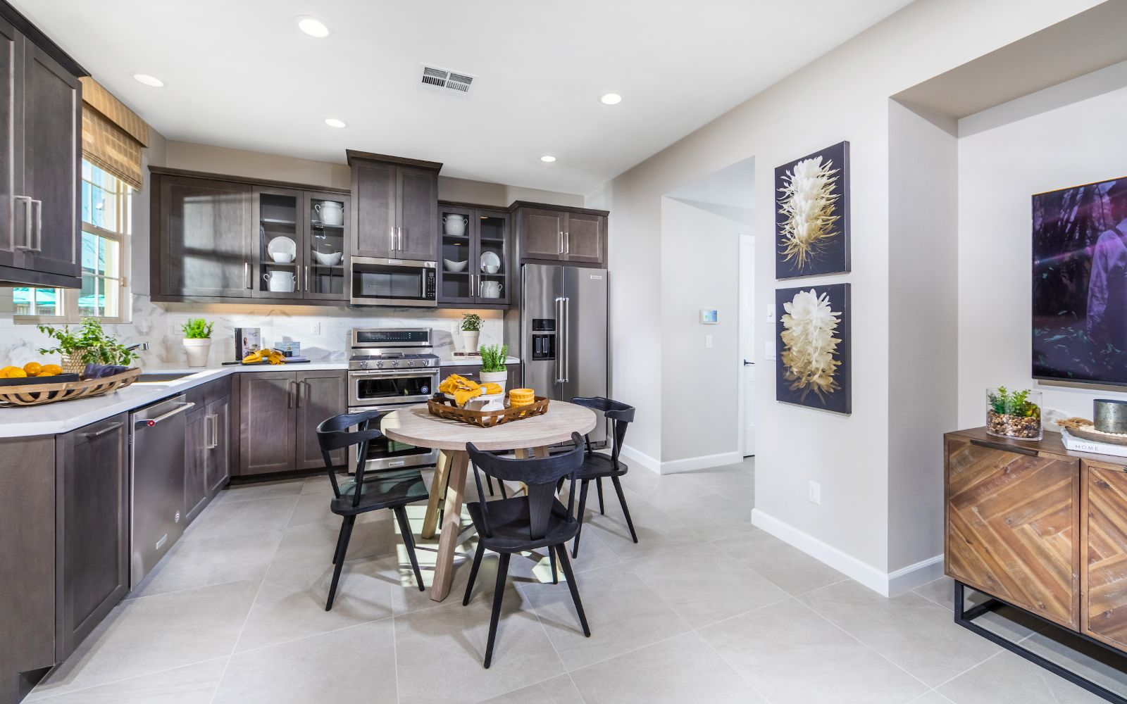 Towns Plan 5 Kitchen Lantana Beach in Stanton CA Brookfield Residential