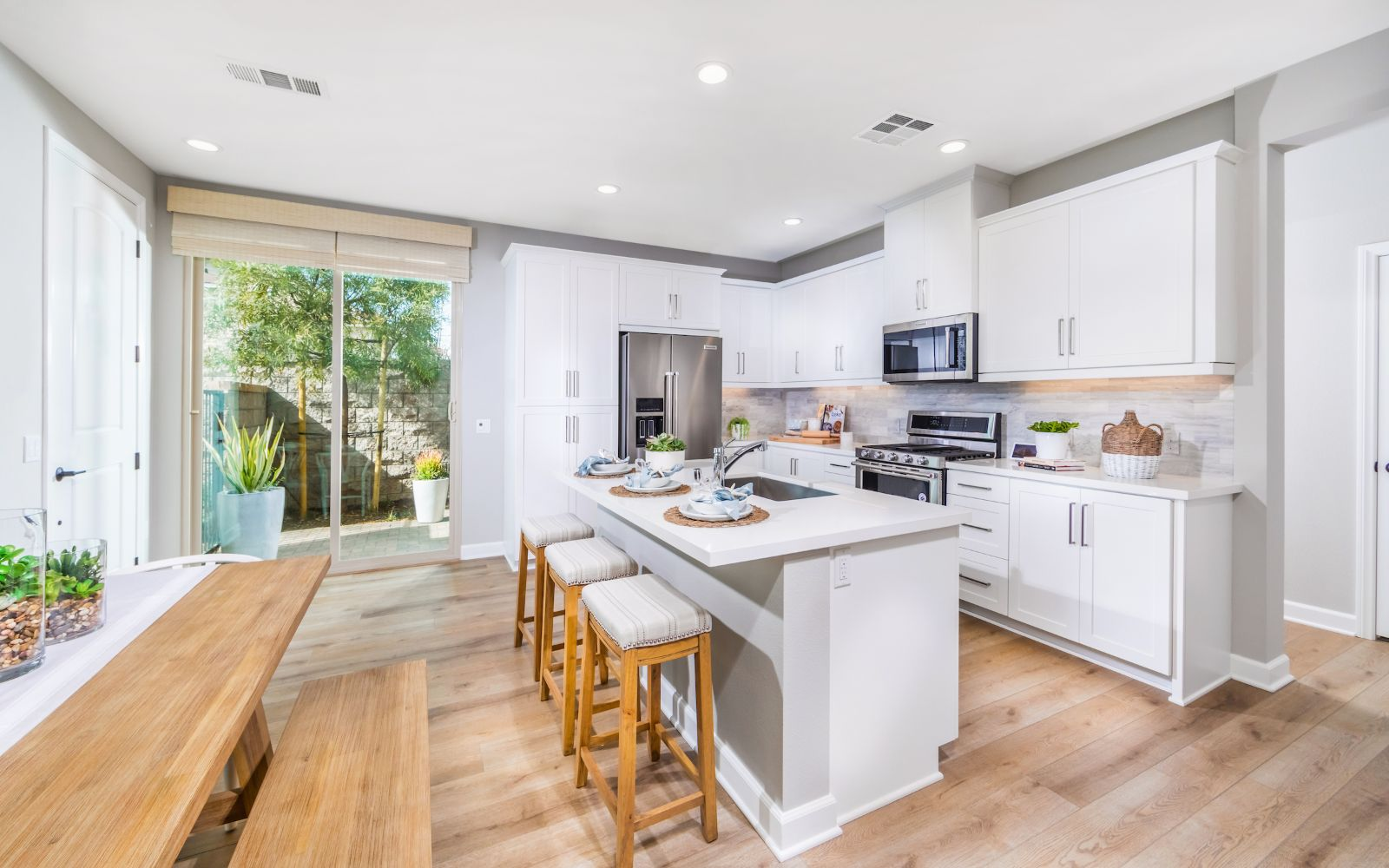 Towns Plan 6 Kitchen | Lantana @Beach in Stanton, CA | Brookfield Residential