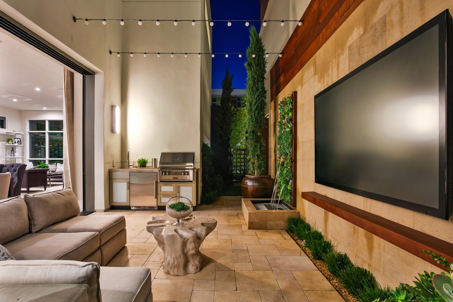 Side yard | 5904 Village Drive | Jewel at Playa Vista in Los Angeles, CA | Brookfield Residential