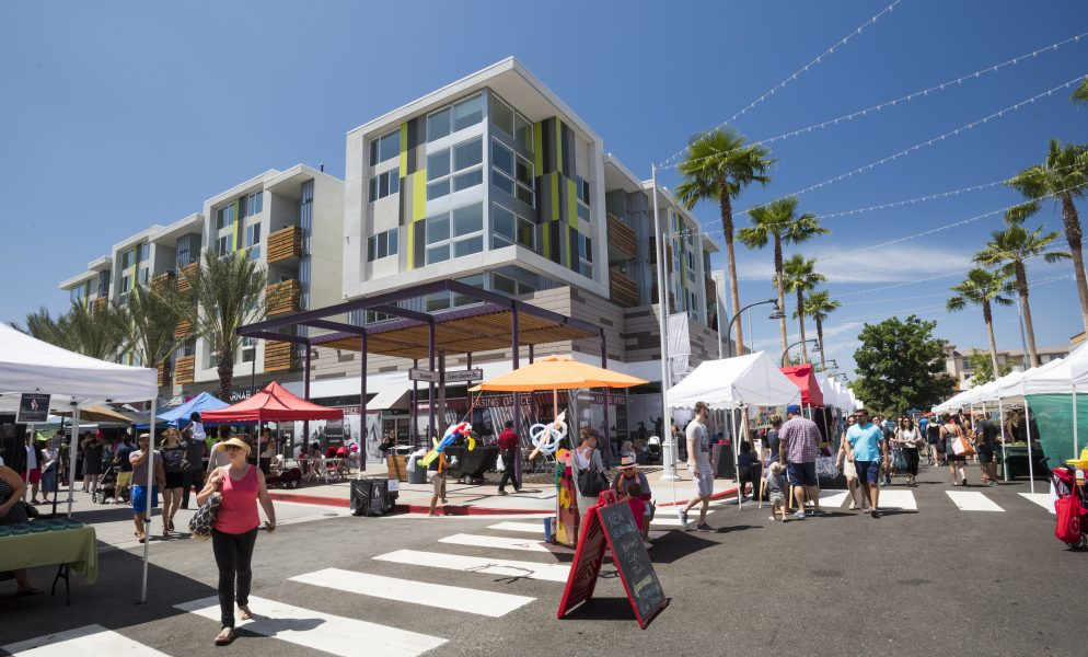 Farmers market at Playa Vista in Los Angeles, CA | Brookfield Residential