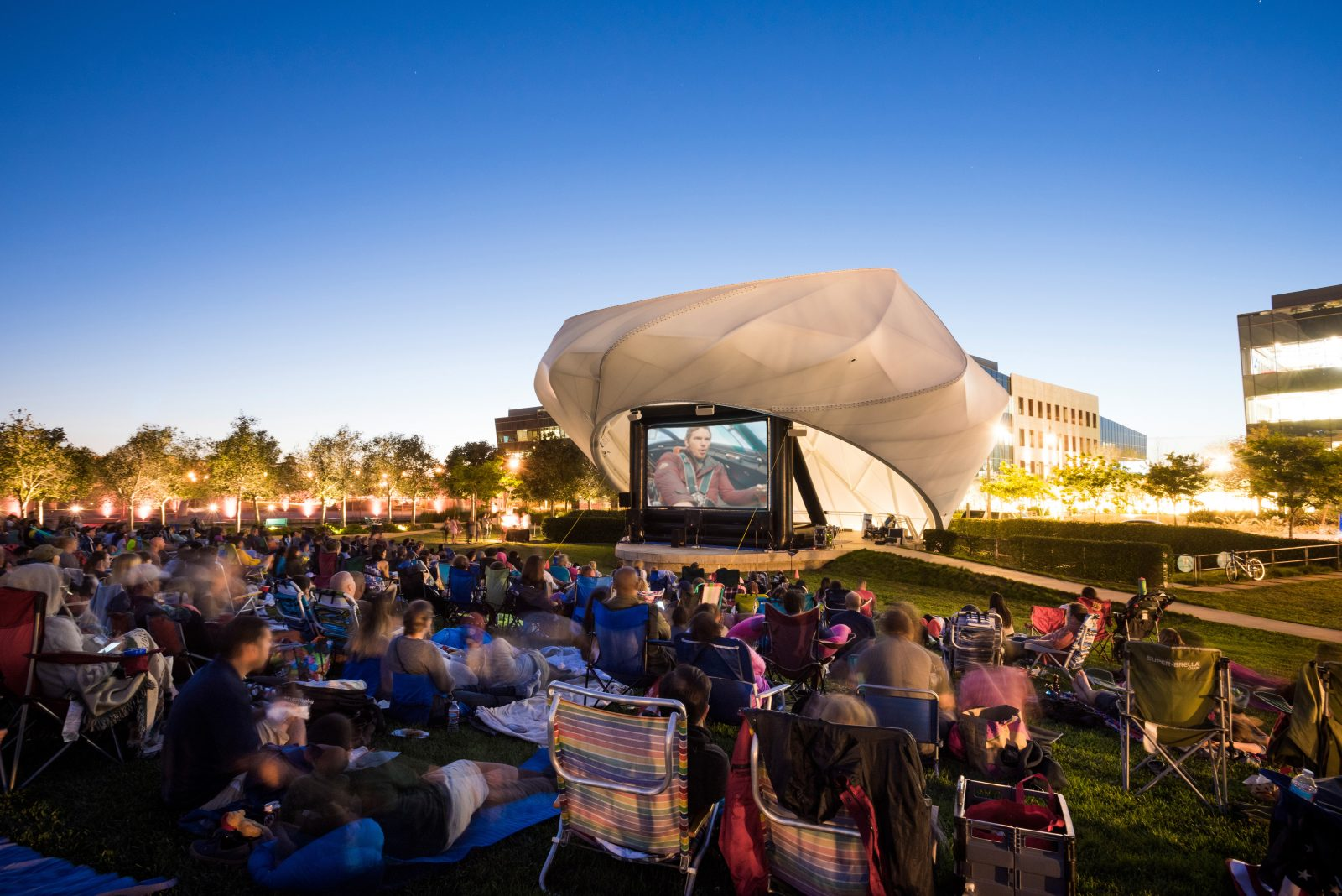 Movies in the park at Playa Vista in Los Angeles, CA | Brookfield Residential