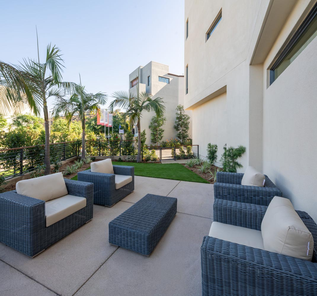 Residence 2 Side Yard | The Collection at Playa Vista in Los Angeles, CA | Brookfield Residential
