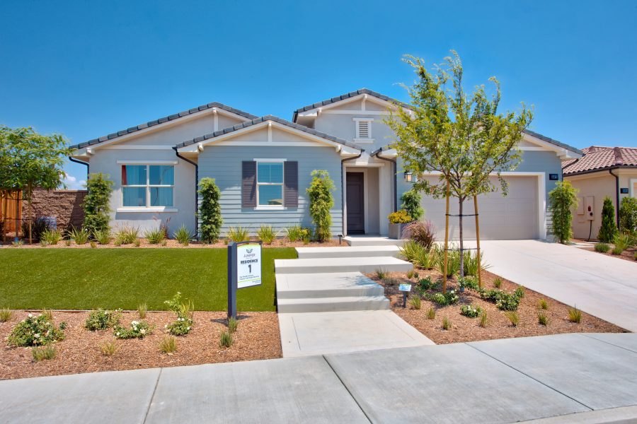 Front Yard | Juniper at Spencers Crossing in Riverside, CA | Brookfield Residential