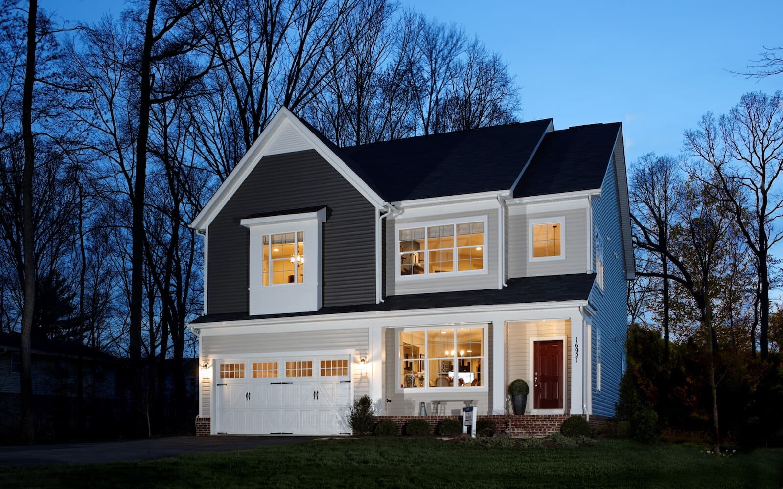 Beckner-exterior-at-night-single-family-home-round-hill-va-the-bluffs-at-sleeter-lake-brookfield-residential