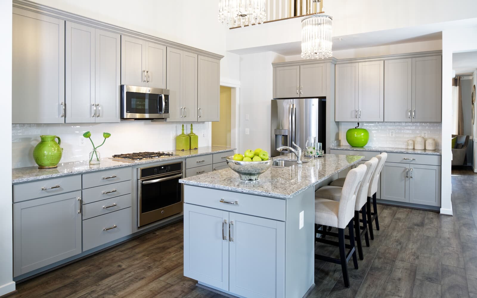 TorringtonII-kitchen-single-family-homes-round-hill-va-the-bluffs-at-sleeter-lake-brookfield-residential