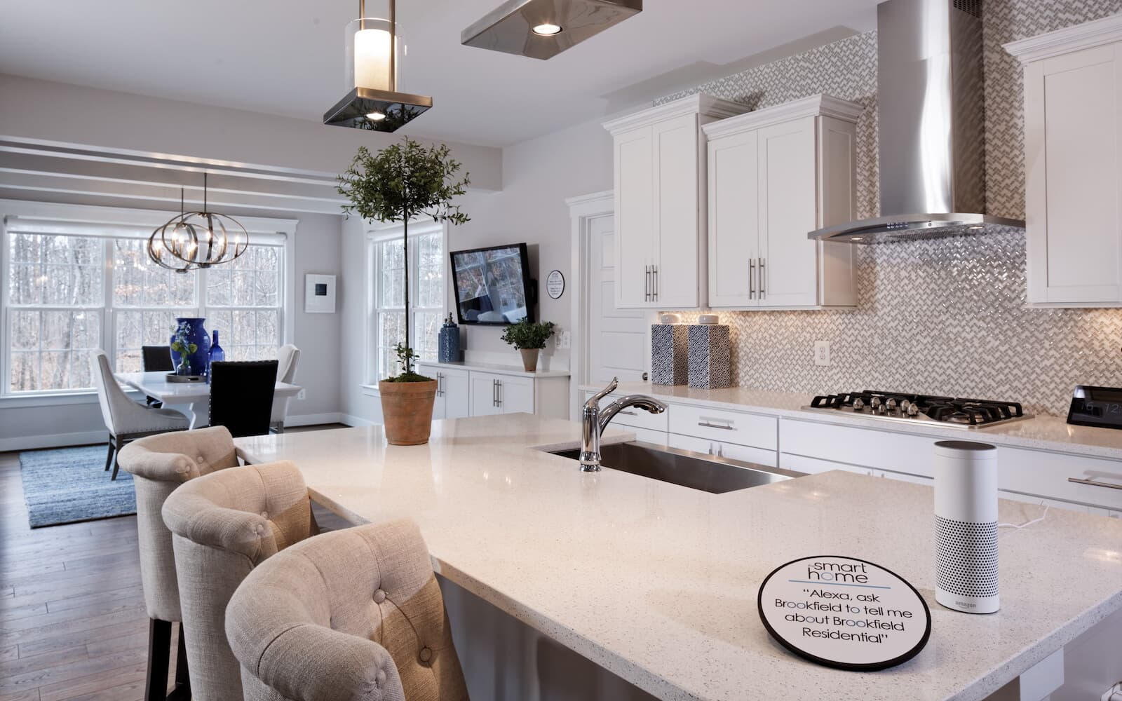 Kensington-kitchen-island-single-family-home-bristow-va-avendale-brookfield-residential